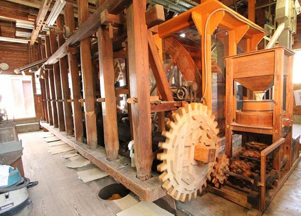 みたか水車博物館の水車 動態保存