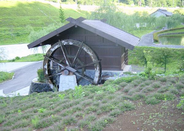 鯉のぼりの里公園の水車