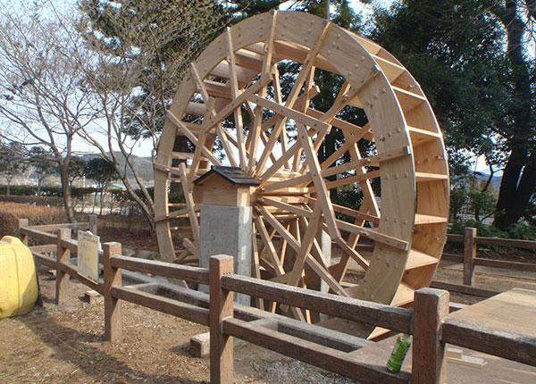日光 杉並木公園重連水車