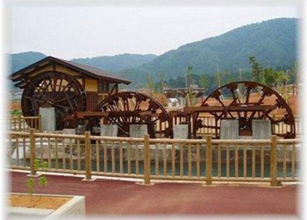 「一乗谷 あさくら水の駅 」の水車